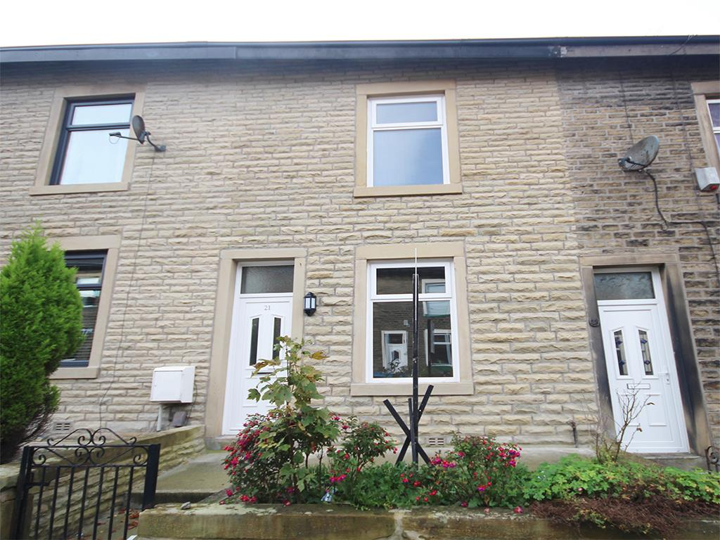 3 bedroom mid terrace house To Let in Colne - Property photograph